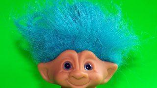 トロール人形の髪の色の意味と幸運をもたらす願い方