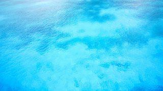 オーラが青色の意味とは?性格・相性・恋愛の特徴