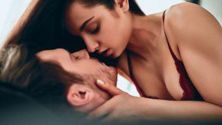 ツインレイセックスの全て。性エネルギー交流や腰が動く理由【男性側】
