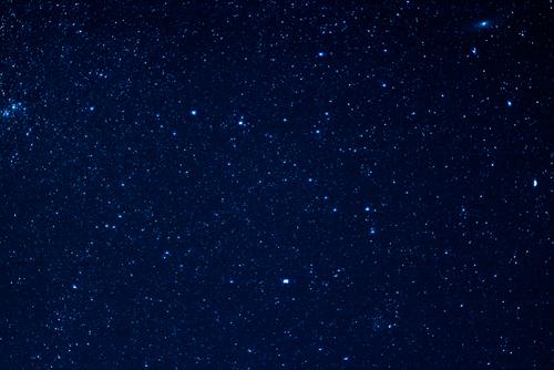 邪気払いする満点の星空の画像