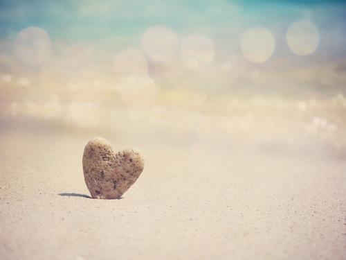 恋愛運を高めるハートの石の画像