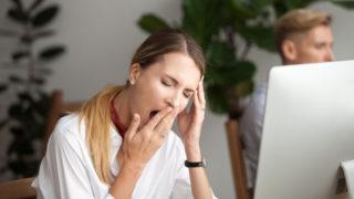生理で眠い時のスピリチュアルな意味って?生理中に眠くなる意味や感じた眠気やタイミングなどでわかるスピリチュアルメッセージを紹介