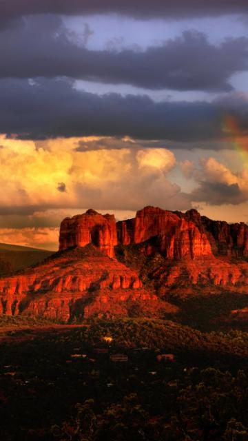 ラッキーなことが起こる赤い岩と虹の待ち受け画像