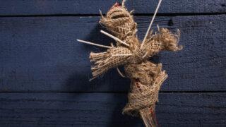 藁人形の呪いは自分に返ってくるって本当?藁人形丑の刻参りの注意点